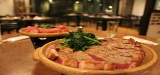 アツアツ陶板ステーキ