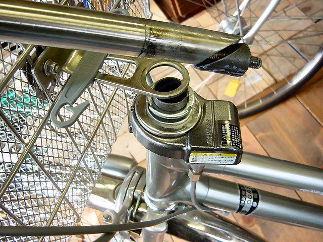 自転車の 自転車 ハンドルロック 修理 : ハンドルロックの不良です ...