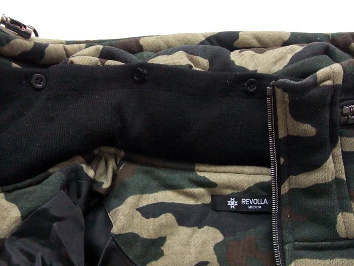 REVOLLA たっぷり中綿で暖かい ボリュームネック 迷彩柄ジャケット size:【M/L】